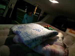 ベッドを車内に。