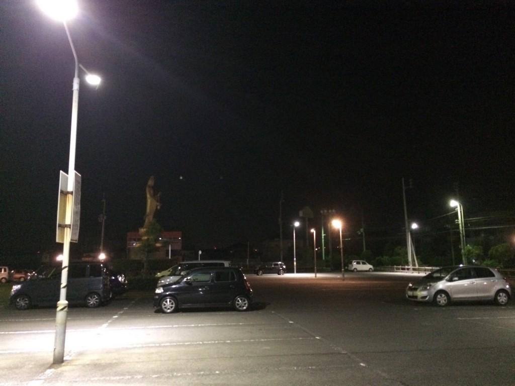 朝5時の駐車場。